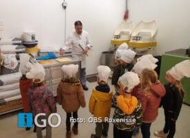 Kleuters OBS Roxenisse bezoeken bakkerij van Harberden Melissant